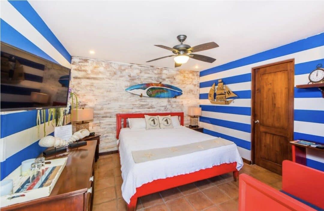 Sirena Serena - Shabby Chic bedroom